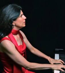 Nancy_M_Williams_playing_Chopin
