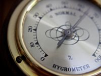 Hygrometer_for_piano