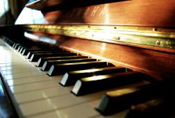 Yamaha_piano