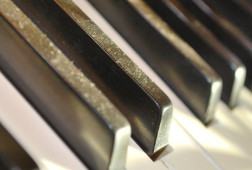 Piano_keys_practice