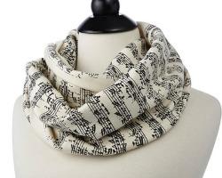 Sheet_music_scarf