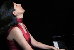Pianist_hearing_aid